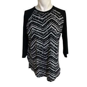 Lularoe black & white geometric stripe L/S shirt